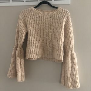 Euc Forever 21 bell sleeve cropped sweater sz Sm